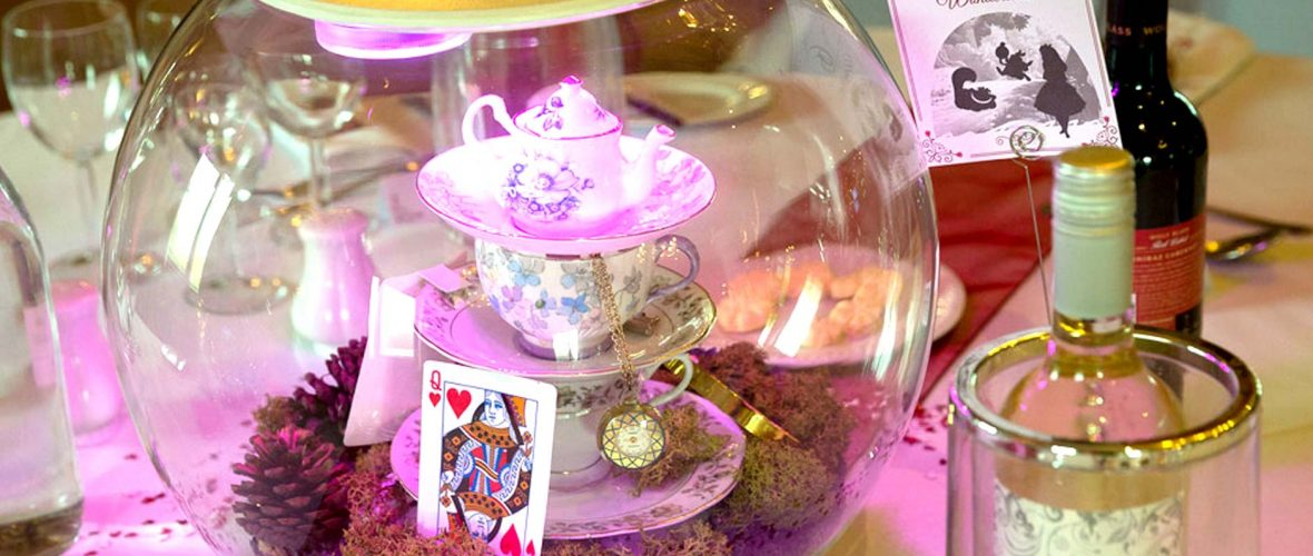 Teaparty In Wonderland Alice In Wonderland Style Table Decoration
