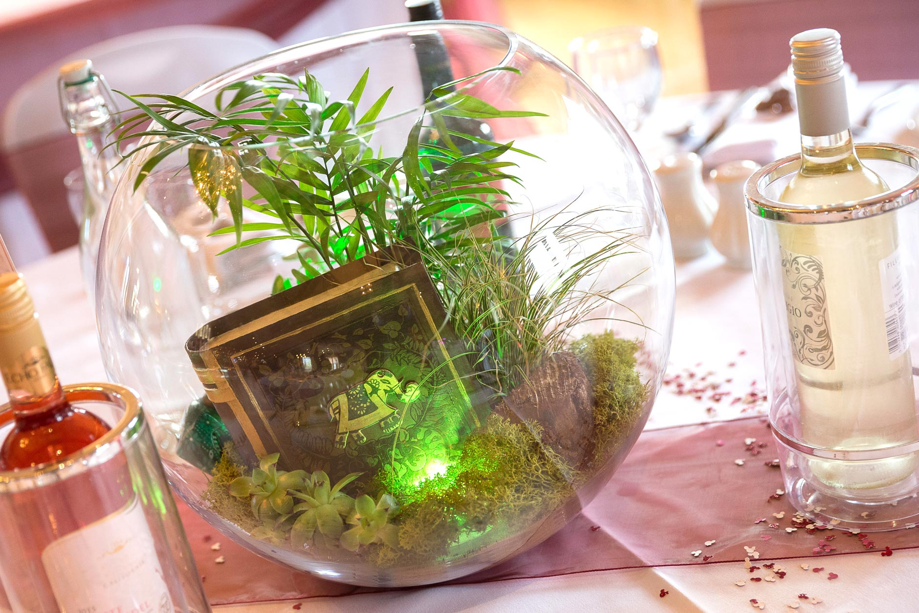 Jungle of india disney s the jungle book inspired table decoration disney themed wedding designs - Deco table jungle ...